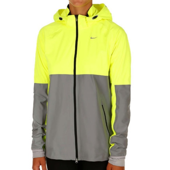 14c25954d Nike Shield Flash Running Jacket. M 5be5ea6e9539f7e65a534a75